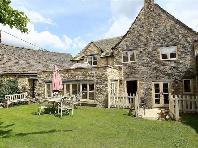 Coach House Burford - 988655 - photo 1