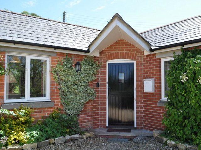 Hillside Cottage - 994261 - photo 1