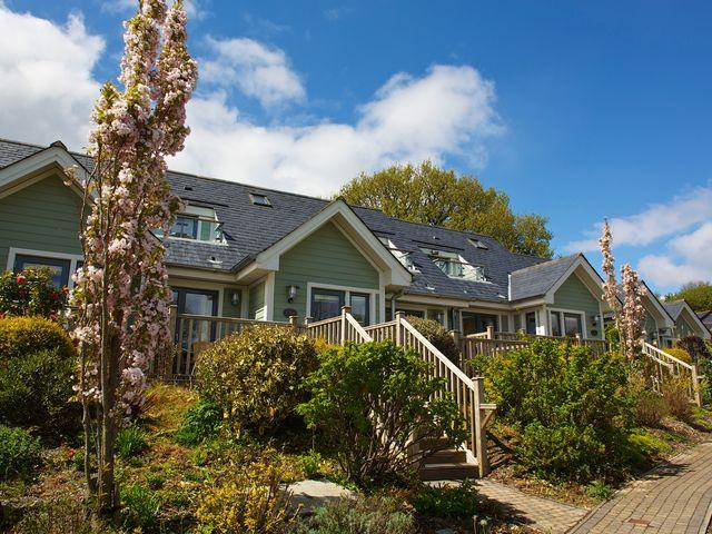 6 Court Cottage, Hillfield Village - 995354 - photo 1