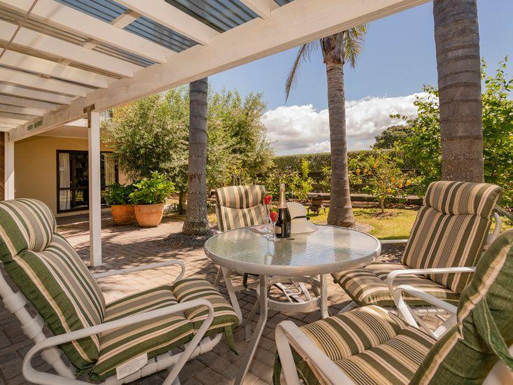 The Olive Grove Retreat - Matarangi Holiday Unit