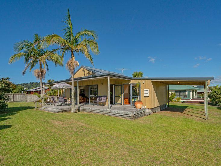 Castleview Hideaway - Matarangi Holiday Home