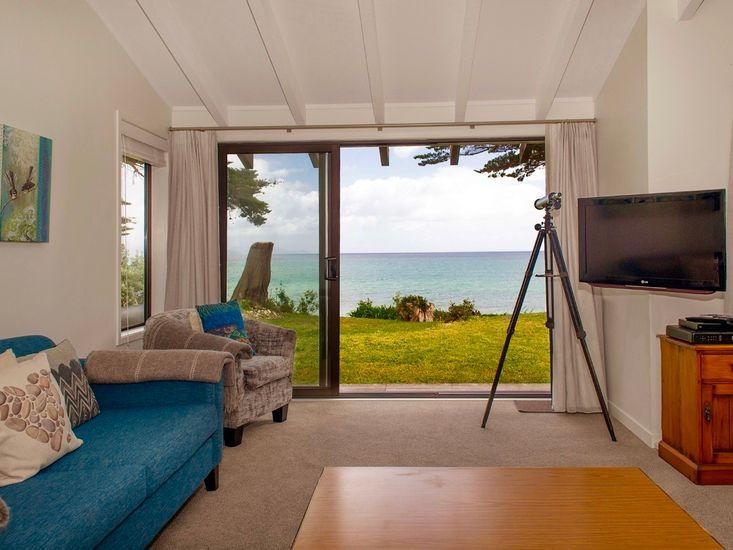 Living Room and Views - Indoor - Outdoor Flow