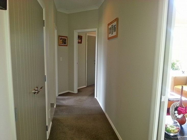 Hallway to Bedrooms from Lounge