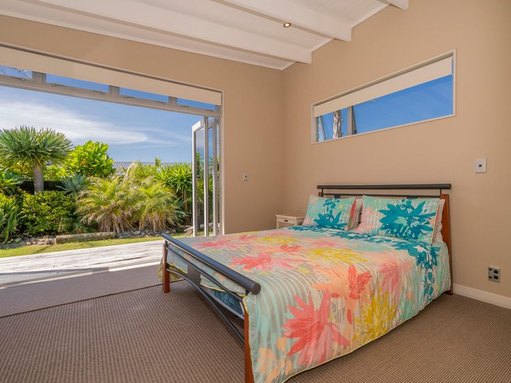 Bedroom 2- Downstairs