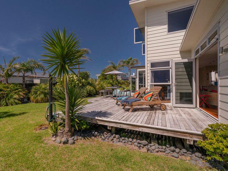 Deck & Outdoor Living