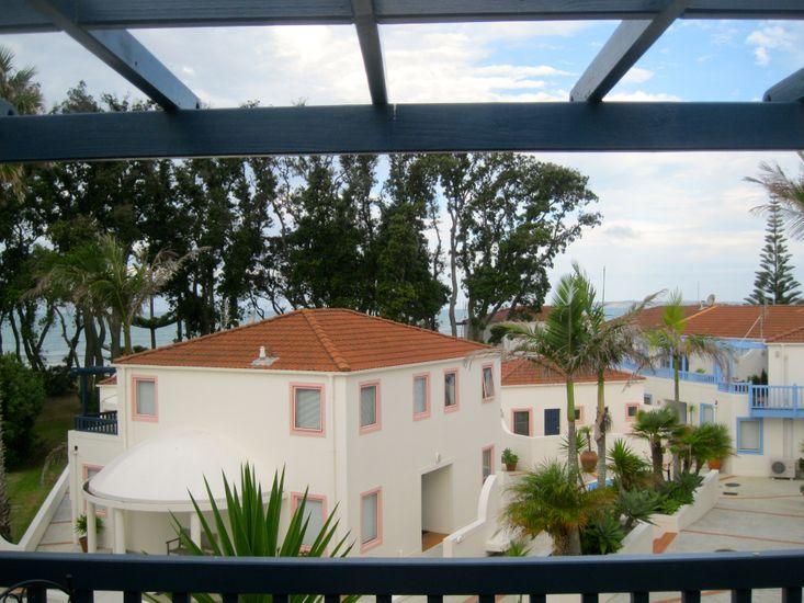 Oceanside Apartment - Orewa Holiday Apartment - Balcony Views
