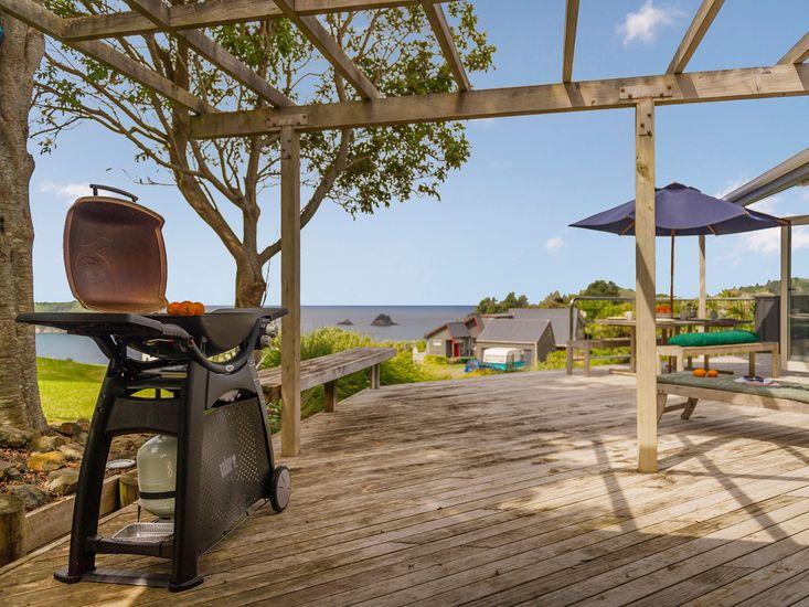 Island Outlook - Hahei Beach Holiday Home