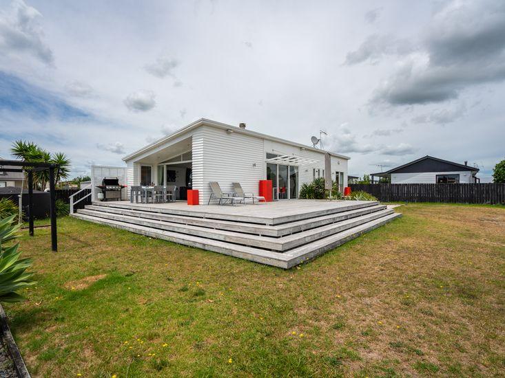 Relaxation Station - Mangawhai Heads Holiday Home!