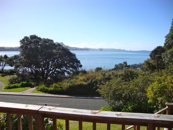 The Retreat - Front Beach Bach - Views
