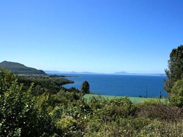 Nestled Atop the Lane - Pukawa Bay Holiday Home