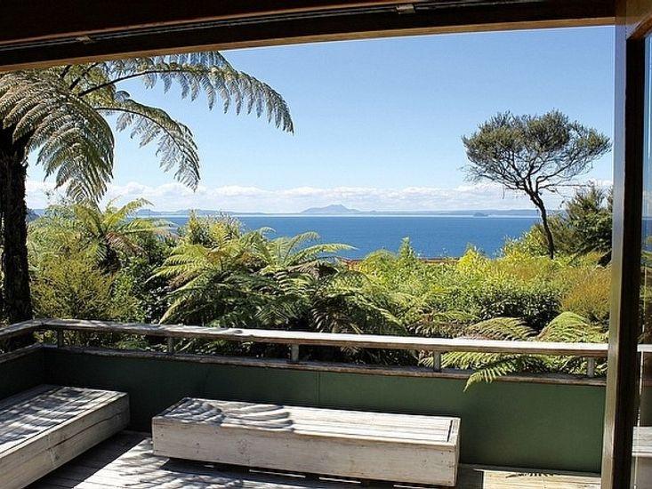 Amidst Bush and Birdsong - Pukawa Holiday Home
