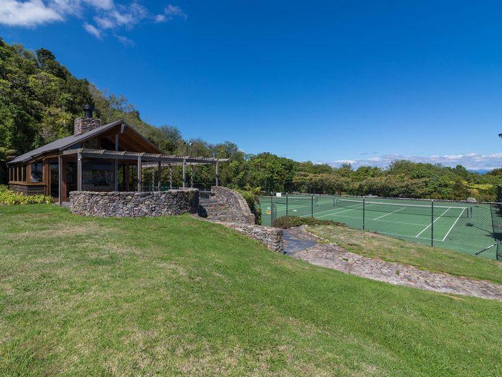 Communal/Shared Pavilion & Tennis Court