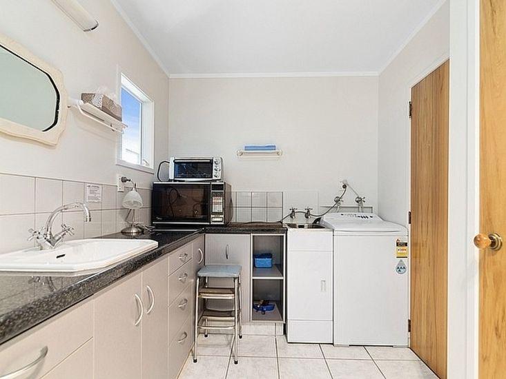 Studio - Bathroom & Laundry