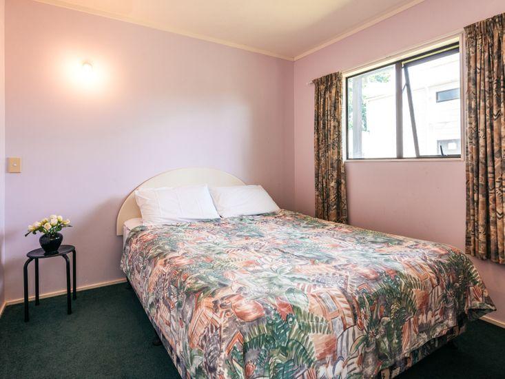 Sleep-Out Bedroom 2