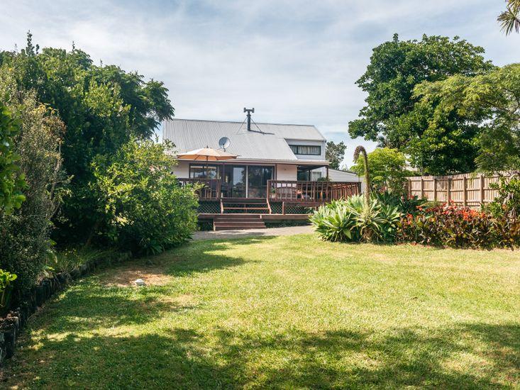 Olive Lane - Waiheke Holiday Home