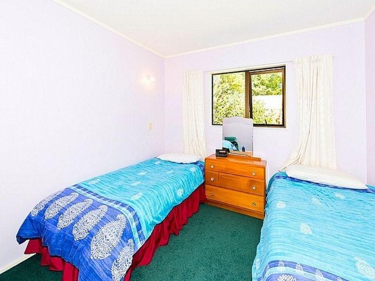 Sleep-Out Bedroom 1