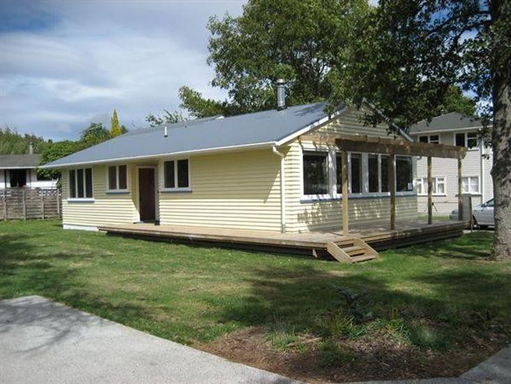 Twin Oaks_Ohakune Holiday Home_Exterior