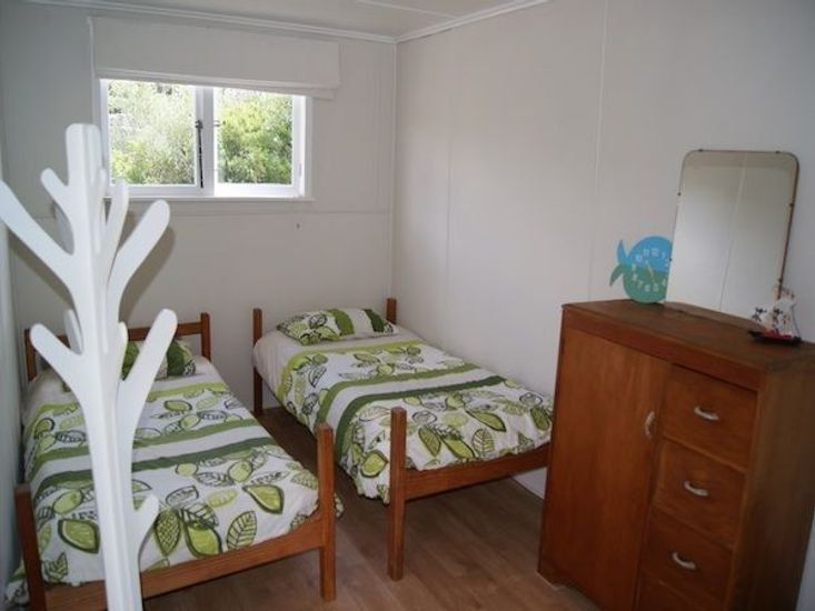 Single Beds Front Bach