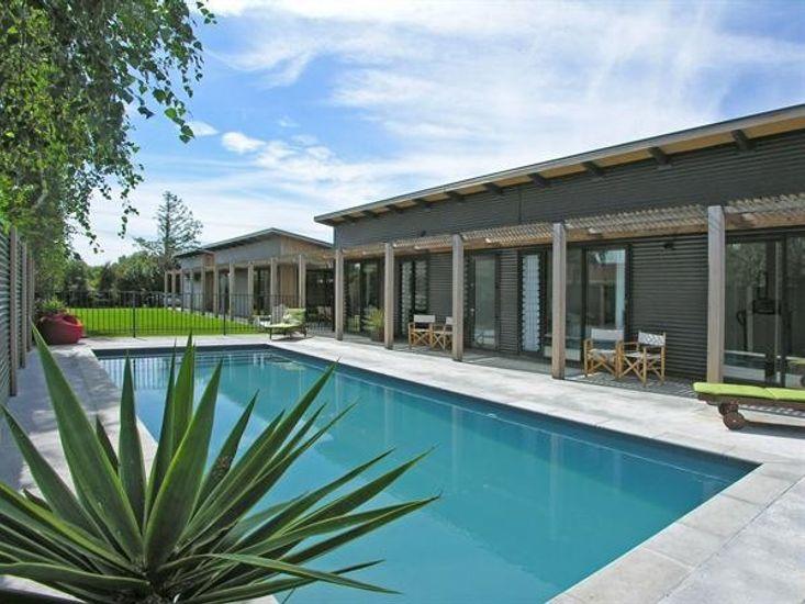 Wharepuni - Martinborough Executive Holiday Home