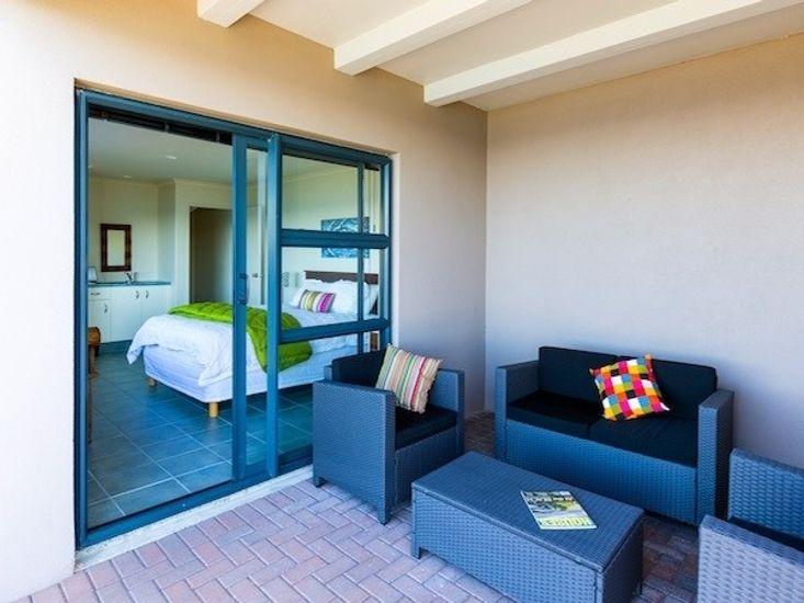 Outdoor Living to Bedroom