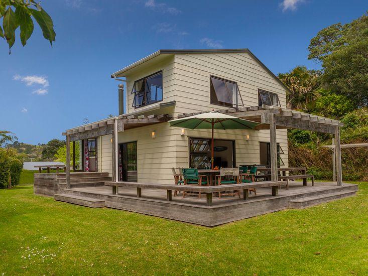 The Bach Retreat - Hahei Holiday House