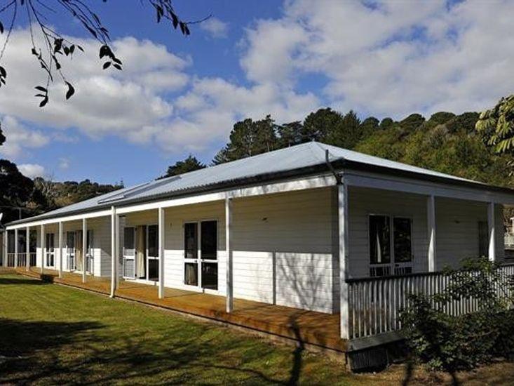 The House of Plenty - Waiheke Holiday Home