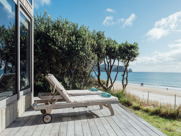 The Breakers - Whangapoua Executive Holiday Home - Beach Views