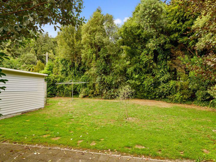 Exterior & Backyard