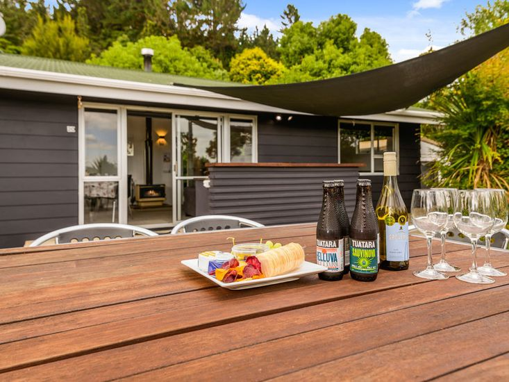 Fantail Cottage - Lake Rotoiti Holiday Home