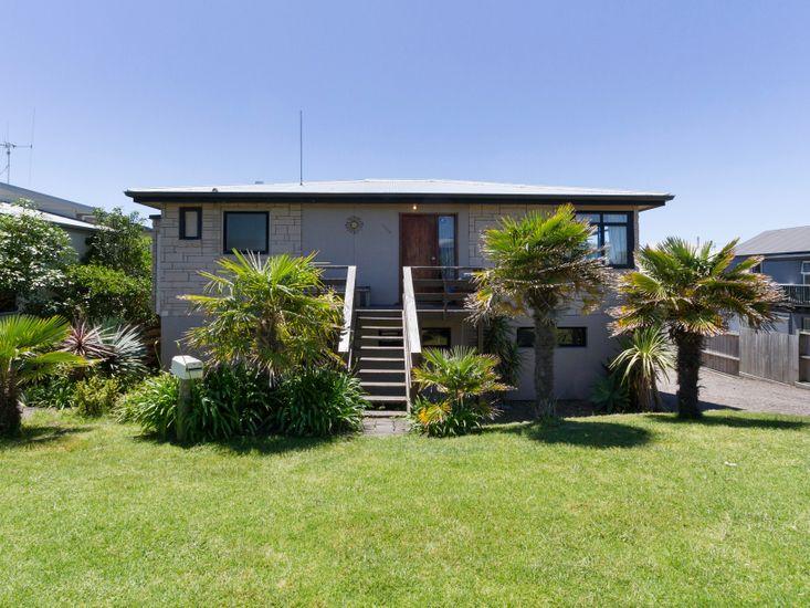 Beachy Keen - Papamoa Beach Holiday Home