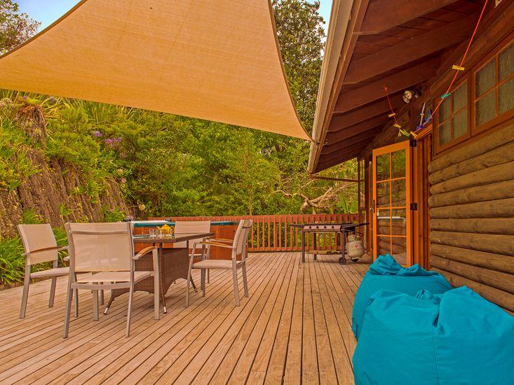 Outdoor Living - Back Deck