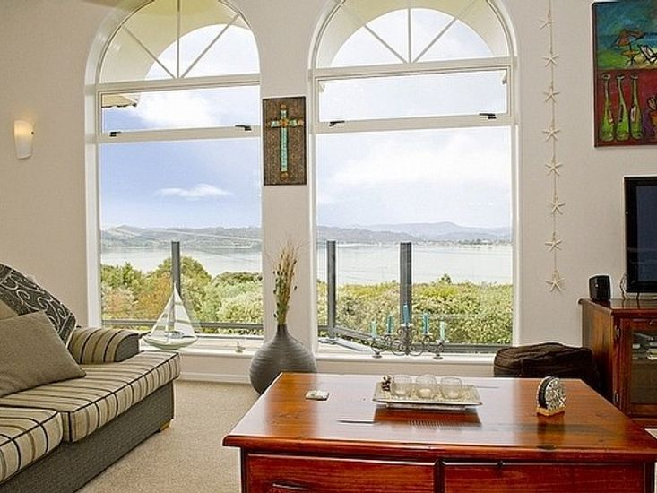 Living with Views - Main House