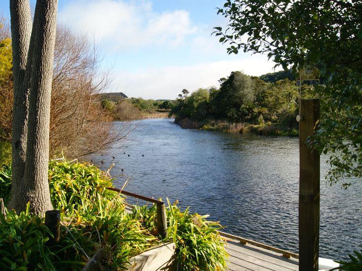 Piccolo Casa - Kuratau Holiday Home - Private Jetty on Kuratau River