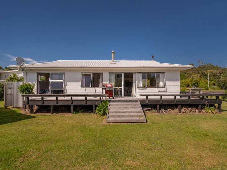 Silver Sands - Cooks Beach Holiday Home