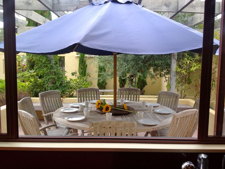 Kitchen servery to outdoor dining