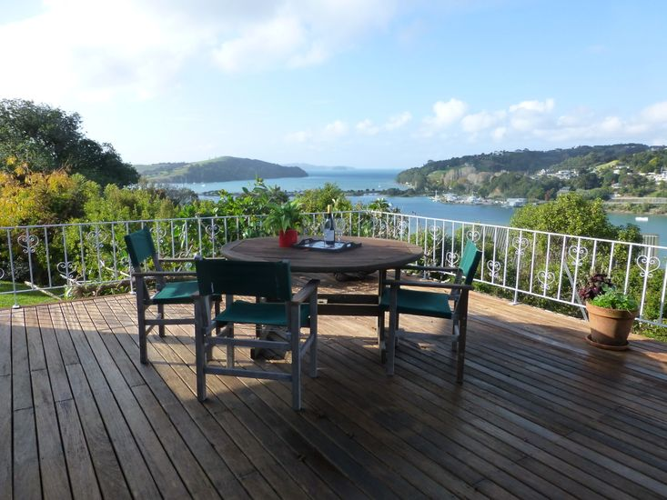 Kawau View - Matakana Holiday Home