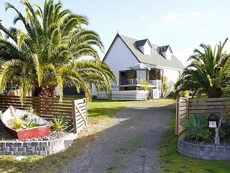 Bliss on Blane - Whangamata Holiday Home - Outdoor Living