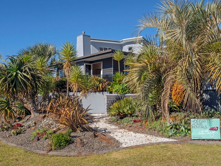 Cooks Sanctuary - Cooks Beach Holiday Home