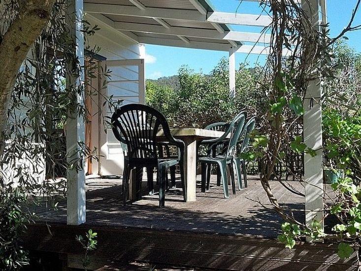 Hahei Garden Villa - Hahei Holiday Home - Outdoor seating