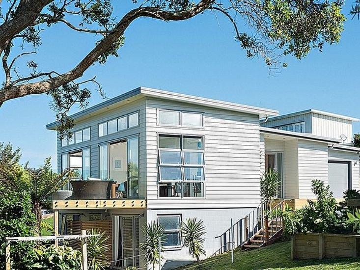 Aqua Blue - Waihi Holiday Home