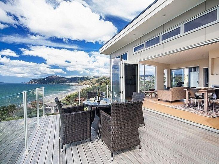 Kuotunu Lookout - Kuaotunu Holiday Home - Outdoor Living and Views