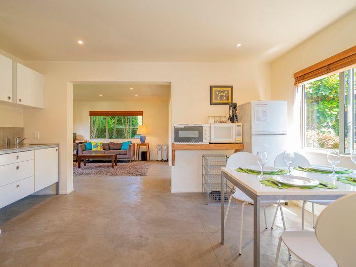Kitchenette & Dining Area - Studio