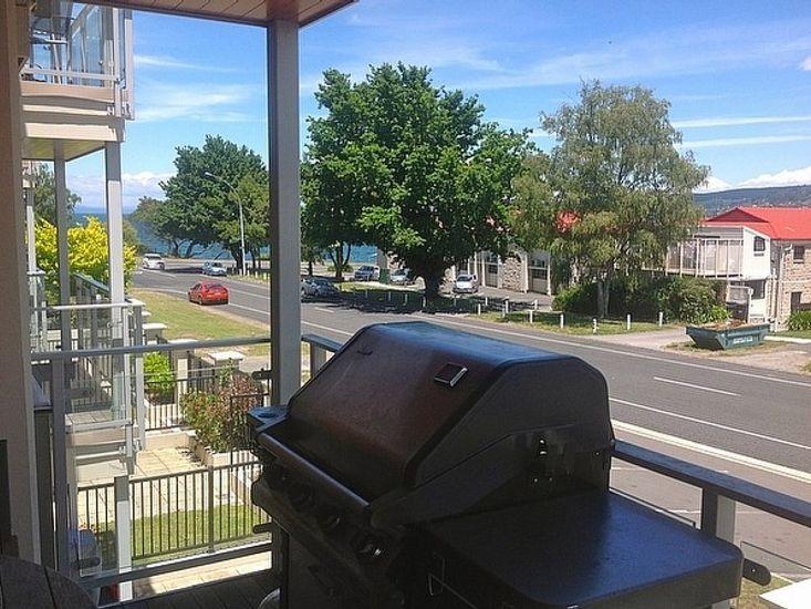 Taupo Vista - Taupo Apartment - Balcony View