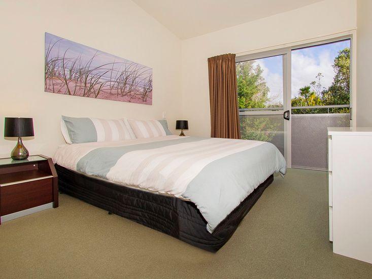 Bedroom 2 - Top floor