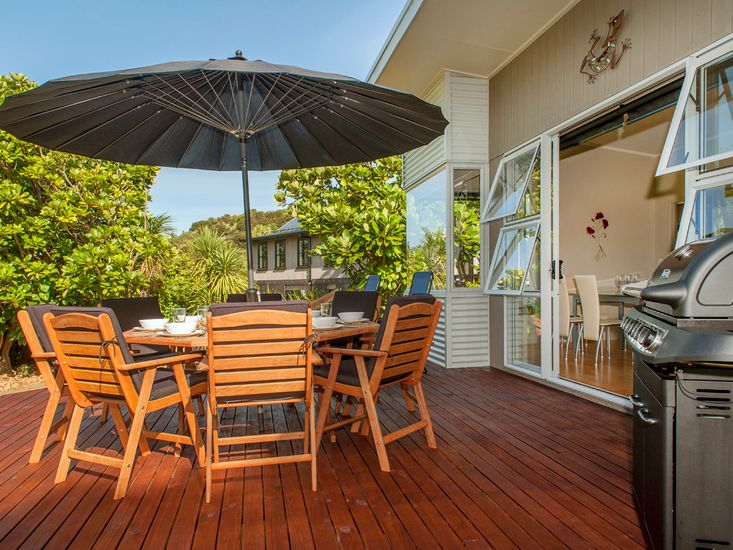 Hideaway Haven - Cooks Beach Holiday Home