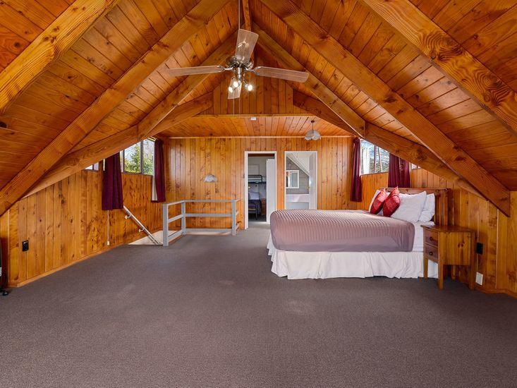 Main House Bedroom 1 to Bedroom 2 - Upstairs