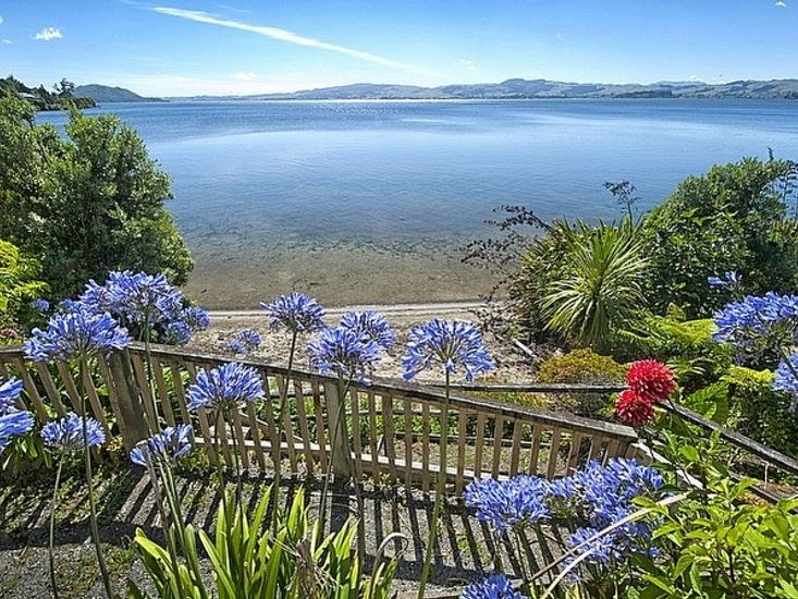 Piece of Paradise - Kawaha Point Holiday Home - Views to the Lake from Main House