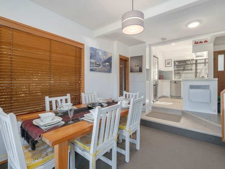 Dining to Kitchen - Middle Level