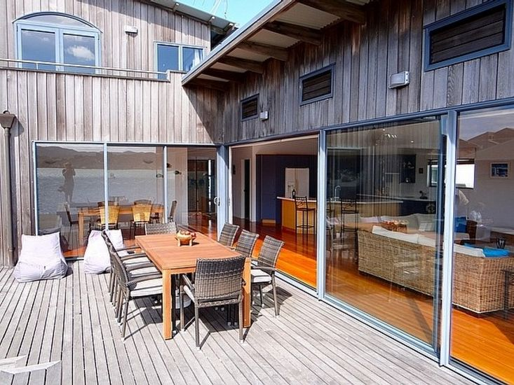 Exterior and Outdoor Dining