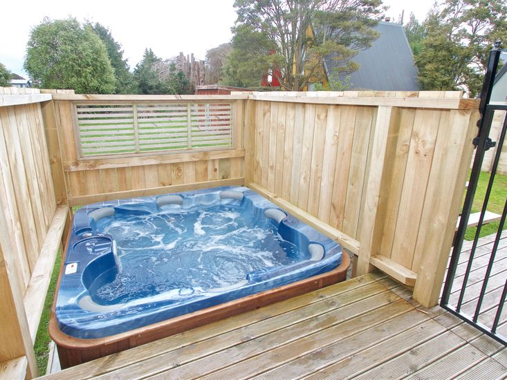 Snowed Inn - Ohakune Holiday Home - Spa Pool